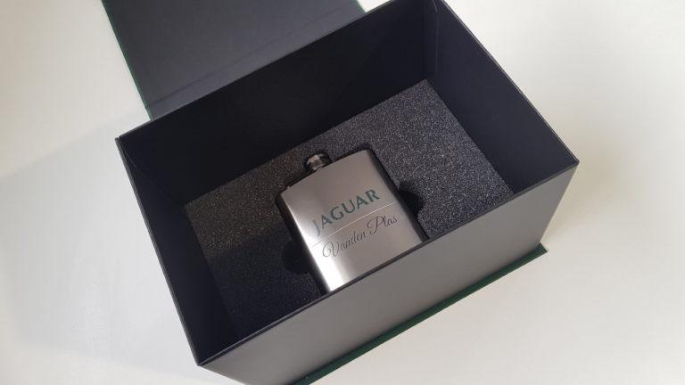 Wypełnienie pudełka - piersiówka